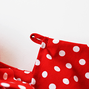 Ultimate Shift Dress Sewalong :: sewing a rouleau loop :: Sew Over It