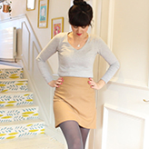 Learn how to sew a skirt in an hour with this new video from Lisa Comfort at Sew Over It