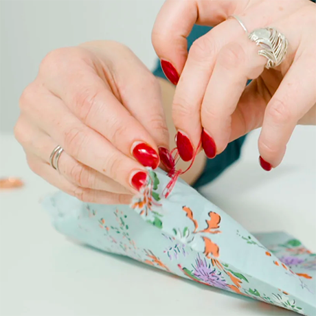 How to sew a tailors tack